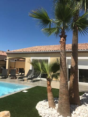 Villa Lola : Guest accommodation near Castelnau-de-Guers