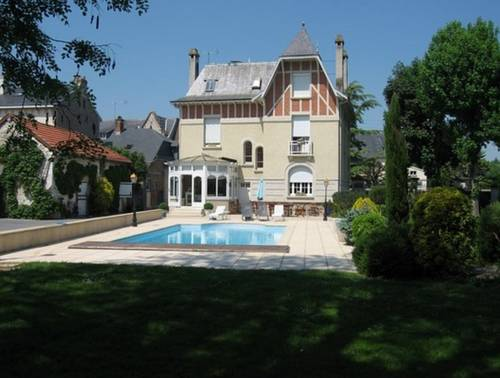 Le Pavillon de Nathalie : Bed and Breakfast near Bignicourt