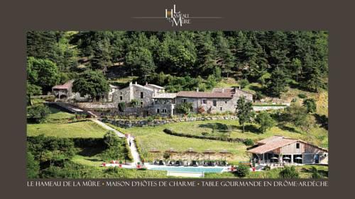 Le Hameau de la Mûre : Guest accommodation near Gilhac-et-Bruzac