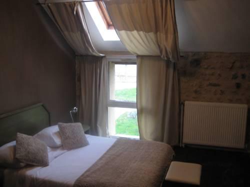 Hotel Restaurant du Mée : Hotel near Saint-Sauveur-sur-École