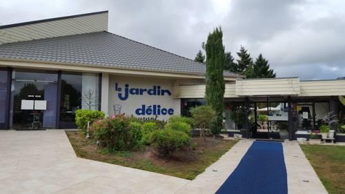 Hotel Restaurant Le Jardin Délice : Hotel near Audes