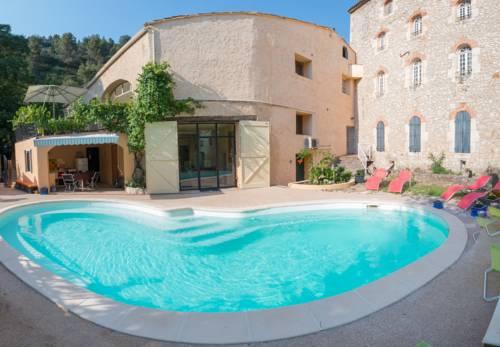 Demeure Au Bord De l'Arc : Guest accommodation near Velaux