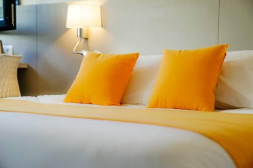 Kyriad Lille - Roncq : Hotel near Bousbecque
