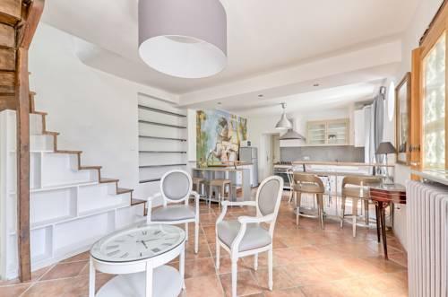 Home Garden : Apartment near Précy-sur-Marne