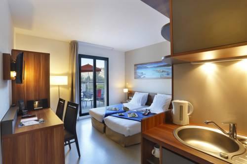 Suite Home Aix en Provence Sud : Guest accommodation near Bouc-Bel-Air
