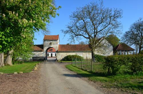La Ferme du Bois Quesnoy : Bed and Breakfast near Huclier