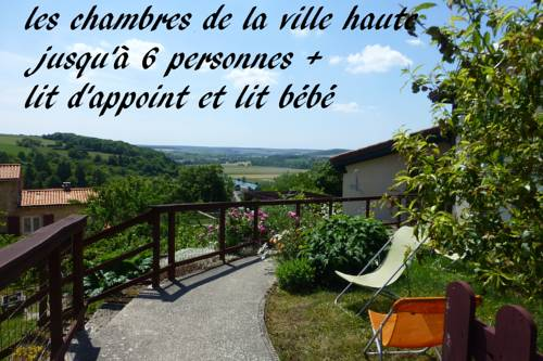 les chambres de la ville haute : Bed and Breakfast near Bayonville