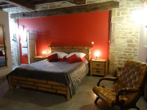 Chambres d'Hôtes Chateau de Marfontaine : Bed and Breakfast near Reyssouze