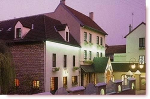 Hôtel Au Week-End : Hotel near Menucourt