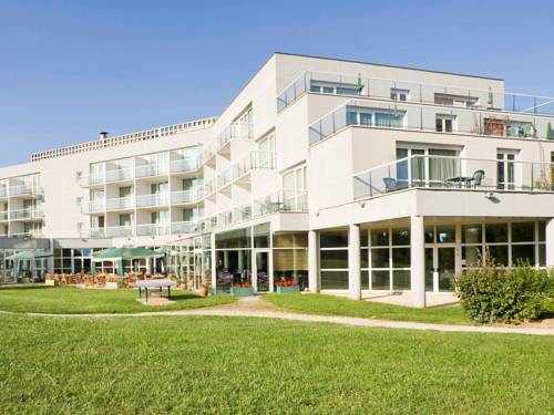 Novotel Senart Golf De Greenparc : Hotel near Saint-Pierre-du-Perray
