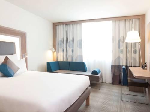 Novotel Paris Saint Denis Stade Basilique : Hotel near L'Île-Saint-Denis