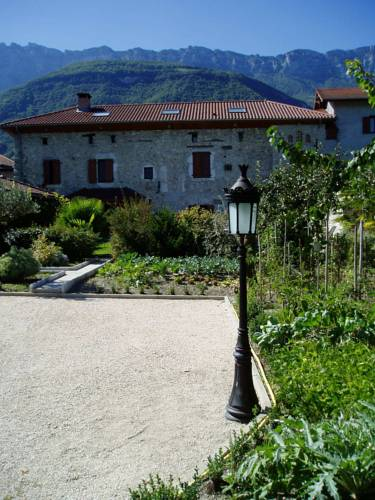 La Maison d'Euterpe : Bed and Breakfast near Barraux