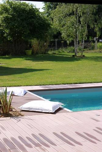 La Villa Blanche : Bed and Breakfast near Gouvernes