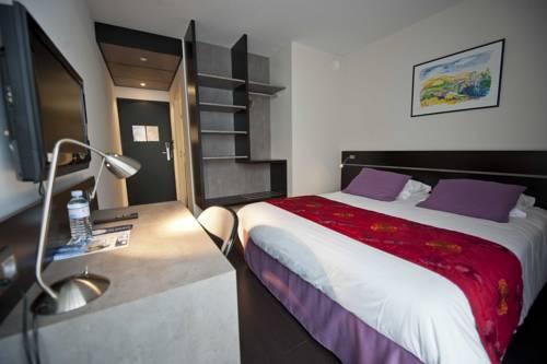 Brit Hotel Golfhotel Saint Samson : Hotel near Trégastel