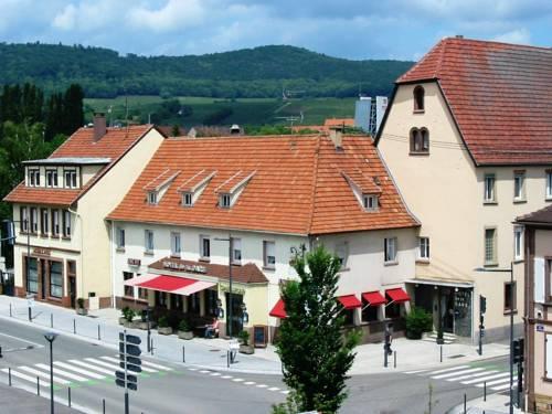 Hotel Weiss : Hotel near Salmbach