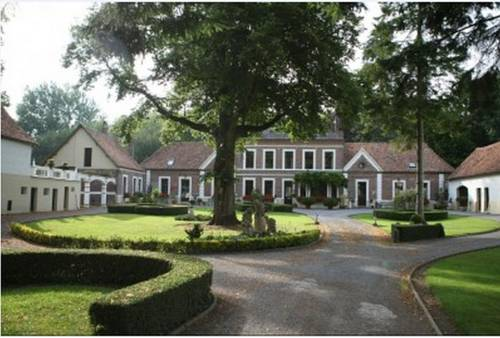 Le Manoir de la Haute Chambre : Bed and Breakfast near Hucqueliers