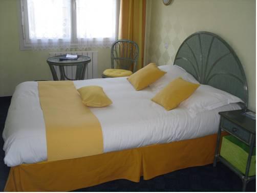 La Fontaine : Hotel near Treffléan