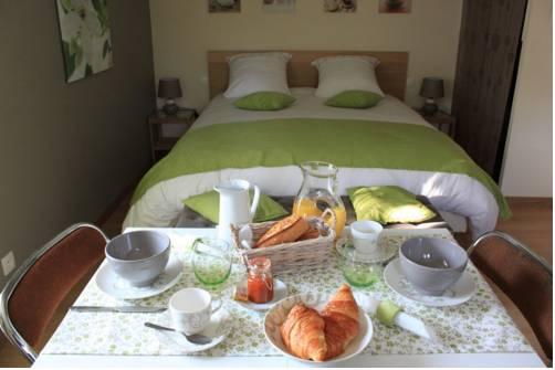 Chambre d'hotes Antony : Bed and Breakfast near Fresnes