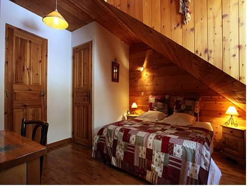 La Roche Meane : Bed and Breakfast near Villar-d'Arêne