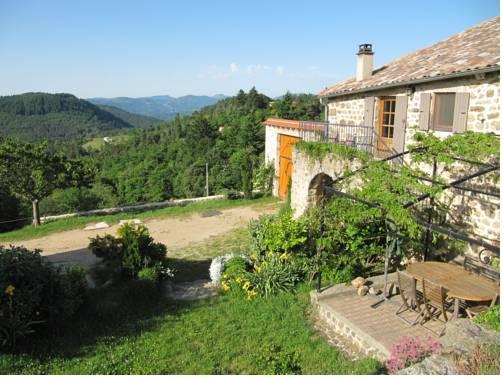 Le Petit Rias : Guest accommodation near Saint-Sauveur-de-Montagut