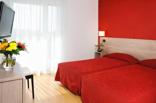 Séjours & Affaires Genève Gex Les Rives Du Léman : Guest accommodation near Grilly