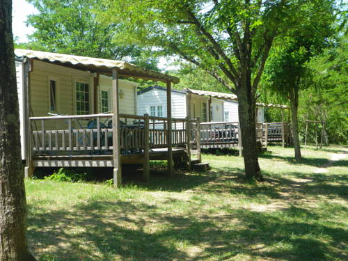 Camping Beaussement : Guest accommodation near Balazuc