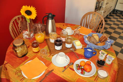 Refuge Renoir City Bed'n'Breakfast : Bed and Breakfast near Chambéry