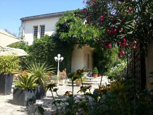 Hôtel La Résidence : Hotel near Bias