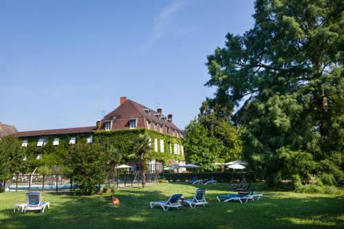 Relais du Silence Hostellerie Château de la Barge : Hotel near Cormoranche-sur-Saône