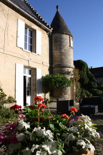 La Barbotine : Bed and Breakfast near Villemontoire