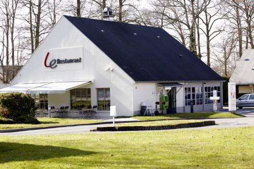 Campanile Hotel Compiegne : Hotel near Néry