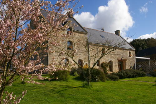 Chambre d'hotes Le Kergoff : Bed and Breakfast near Theix