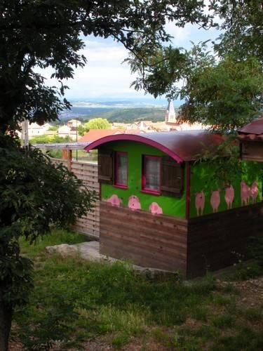 Le Gît´an Roulotte : Guest accommodation near Saint-Jacques-d'Atticieux