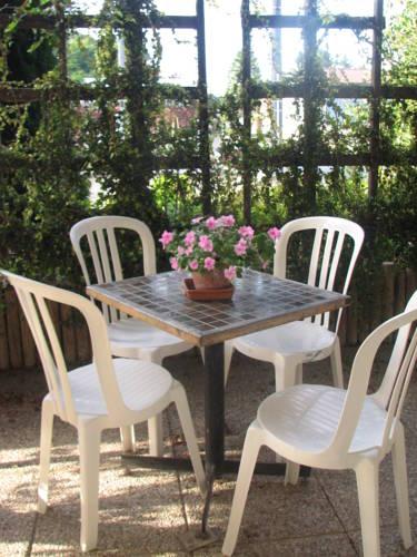 Aux Portes des Tumuli : Bed and Breakfast near Hans