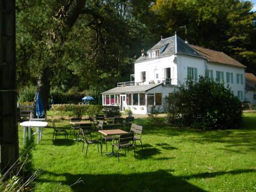 La Vieille Diligence : Bed and Breakfast near Alligny-en-Morvan