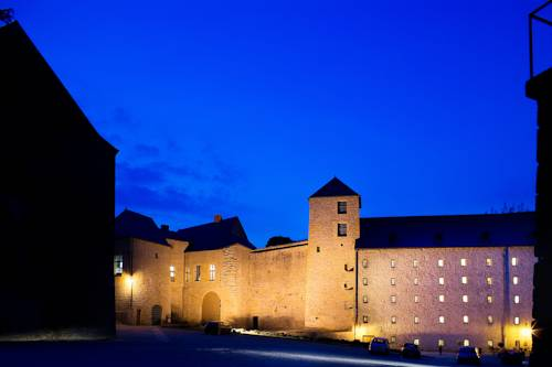 Hôtel Le Château Fort de Sedan : Hotel near Amblimont