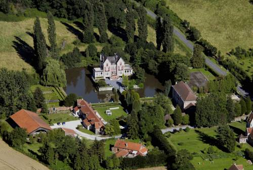 Chateau de Quesmy : Bed and Breakfast near Guivry
