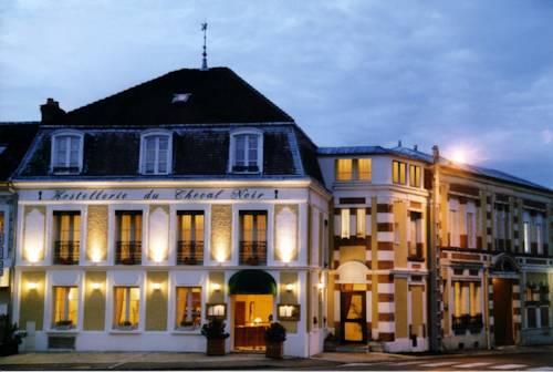 Hostellerie du Cheval Noir : Hotel near La Grande-Paroisse