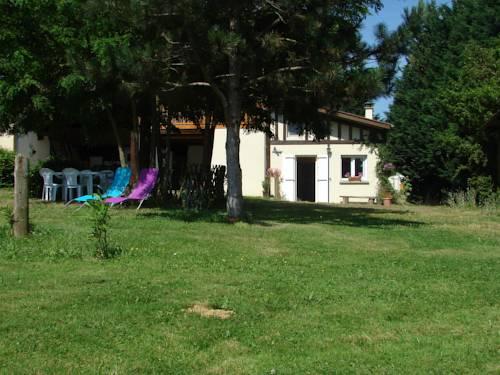 Gites Le Mas du Pouy : Guest accommodation near Saint-Blancard