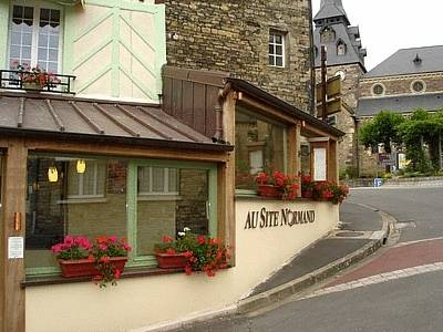 Logis Hotel Au Site Normand : Hotel near La Lande-Patry