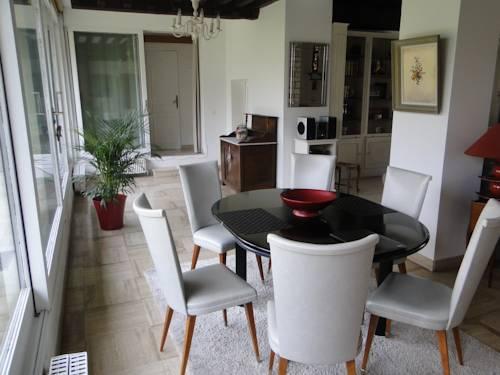 Au Bois Dormant : Apartment near Épinay-sur-Orge