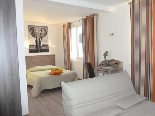 Hotel Jersey : Hotel near Saint-Pierre-d'Arthéglise