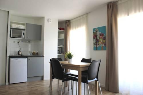 Résidence Suiteasy République : Guest accommodation near Avignon