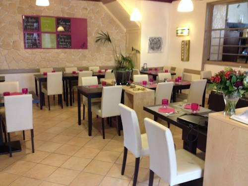 Le Gecko : Hotel near Auberives-sur-Varèze