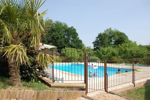 Village de Gîtes Le Châtenet : Guest accommodation near Valojoulx
