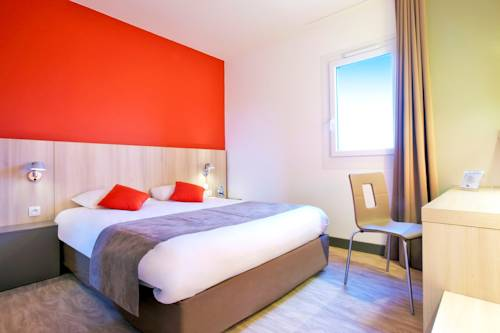 Kyriad Douai : Hotel near Écourt-Saint-Quentin