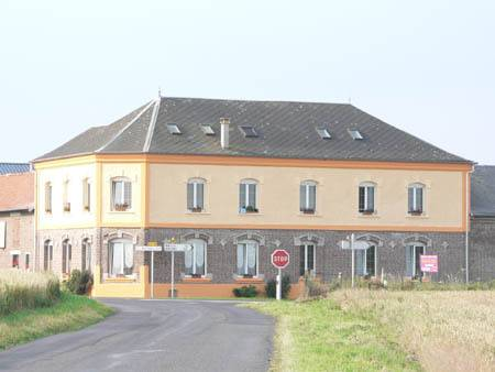 La Briqueterie : Bed and Breakfast near Gommecourt