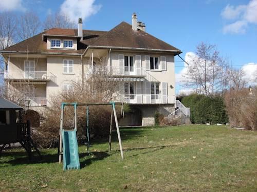 Maison Chanteleau : Guest accommodation near Vieu-d'Izenave