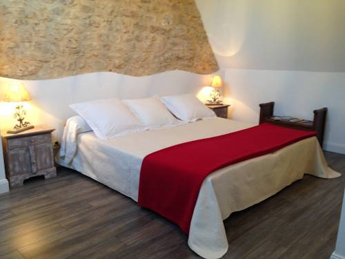 Les Camelias : Bed and Breakfast near Baneuil