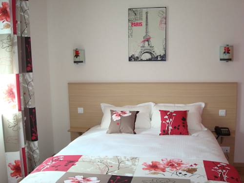 Azur Brit Hotel : Hotel near Andrezé